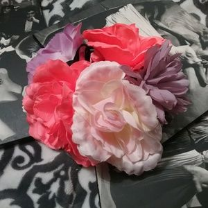 Accessories - Oversized Flower Crown Headband